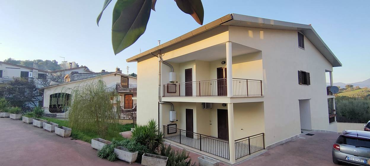FORANO, Apartment for sale of 80 Sq. mt., Good condition, Heating Individual heating system, Energetic class: D, placed at Ground, composed by: 4
