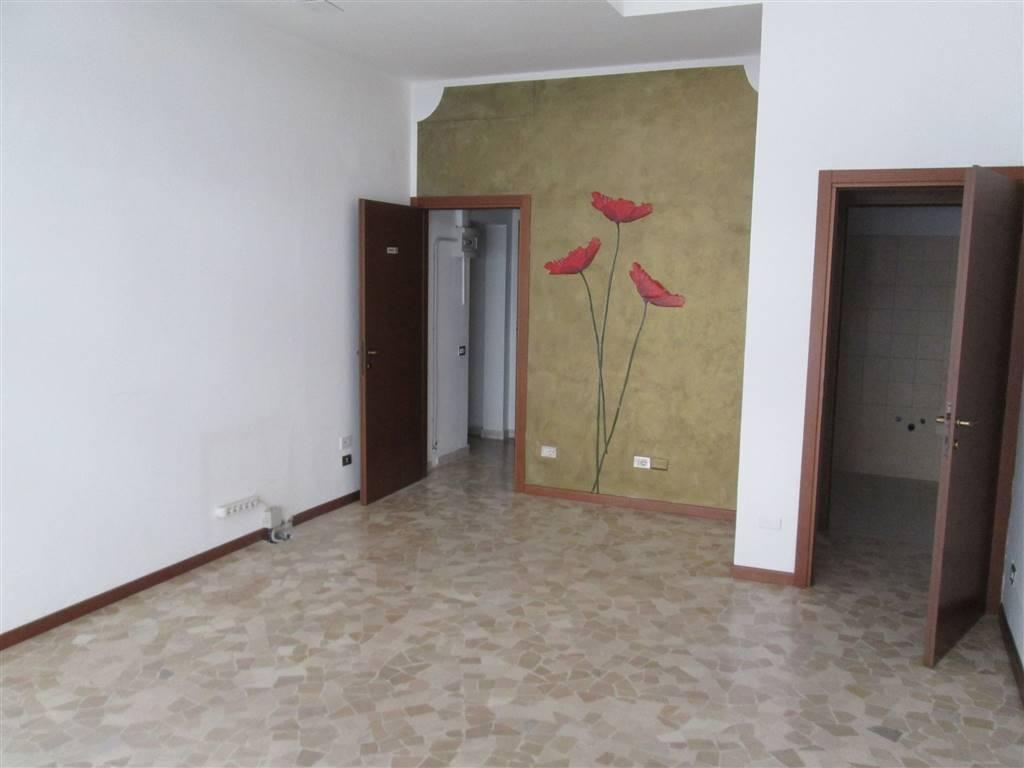 Negozio / Locale in affitto a Saronno, 1 locali, zona Zona: Centro, prezzo € 500 | CambioCasa.it