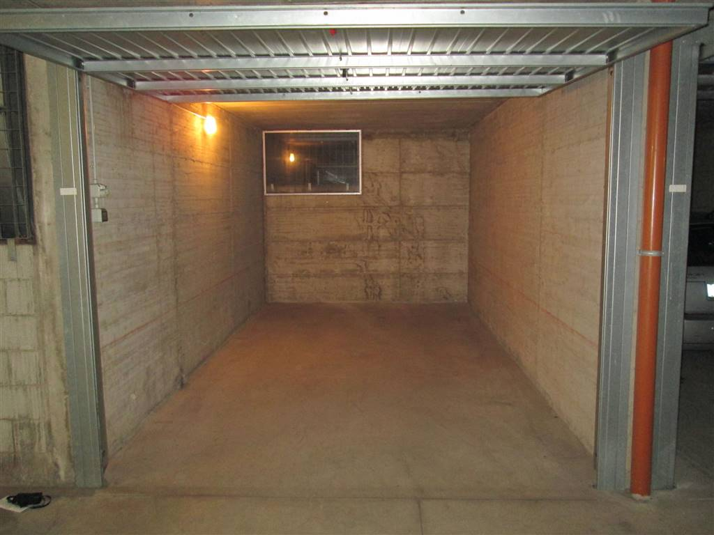 Box / Garage in vendita a Saronno, 1 locali, zona Località: CENTRO- STAZIONE, prezzo € 15.000 | CambioCasa.it
