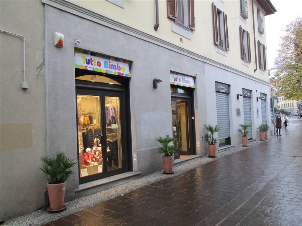 Negozio / Locale in affitto a Saronno, 2 locali, zona Località: CENTRO PEDONALE, prezzo € 2.100 | CambioCasa.it