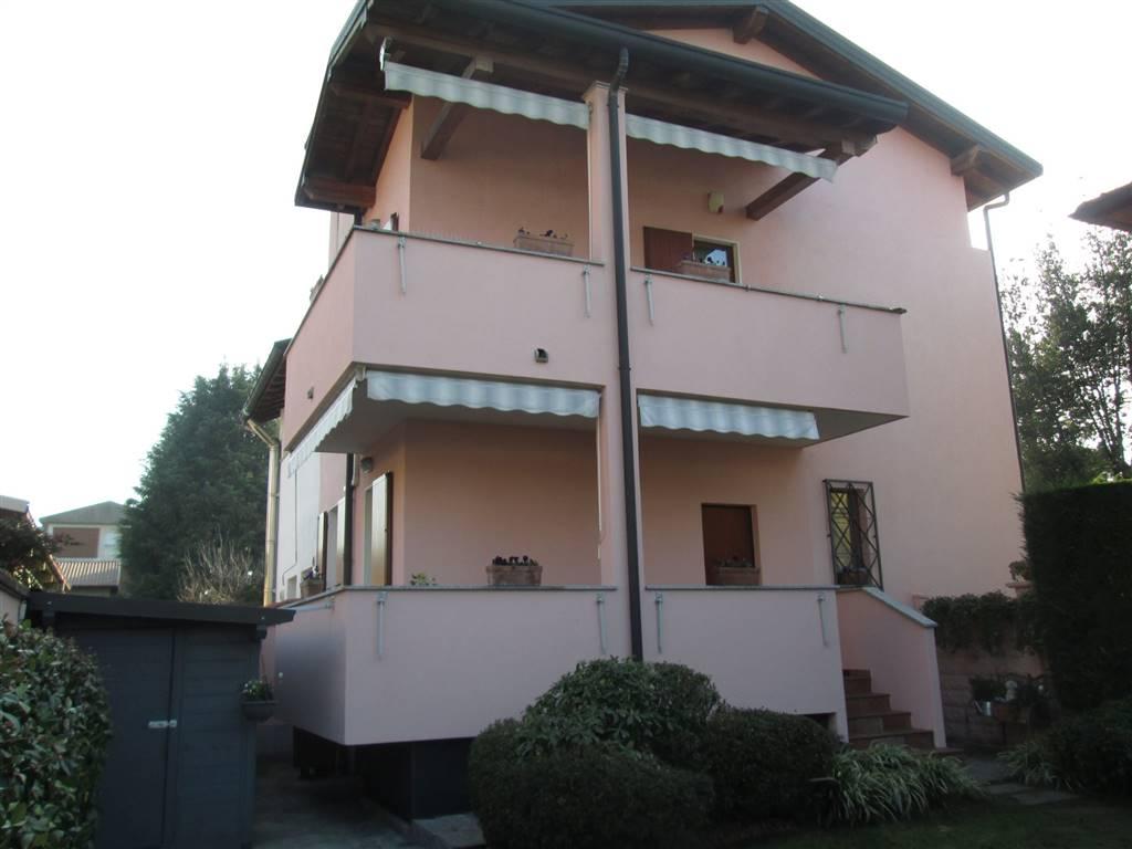 Villa in vendita a Saronno, 3 locali, zona Zona: Cascina ferrara, prezzo € 320.000 | CambioCasa.it