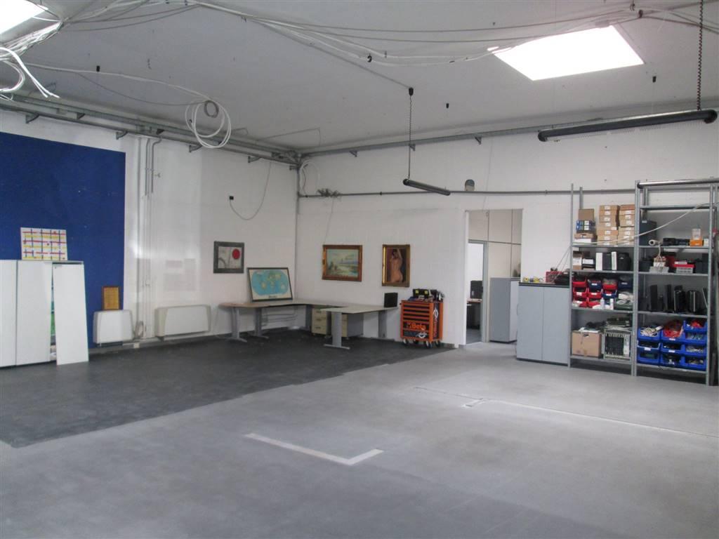 Laboratorio in vendita a Caronno Pertusella, 9999 locali, prezzo € 299.000 | PortaleAgenzieImmobiliari.it