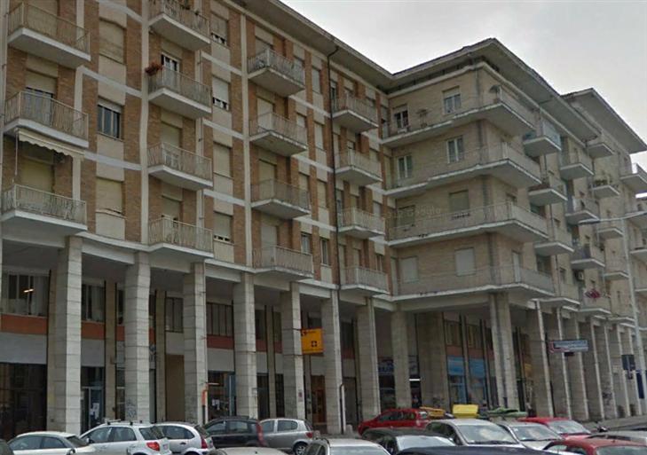 Appartamento in vendita a Cuneo, 6 locali, zona Zona: Centro storico, prezzo € 350.000 | CambioCasa.it