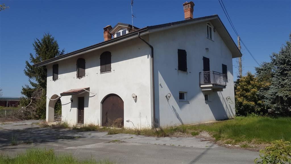 Villa in vendita a Mondovì, 10 locali, zona Località: SANTANNA AVAGNINA, Trattative riservate   PortaleAgenzieImmobiliari.it