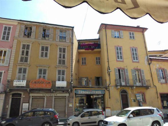 Bilocale in Corso Statuto, Mondovi'