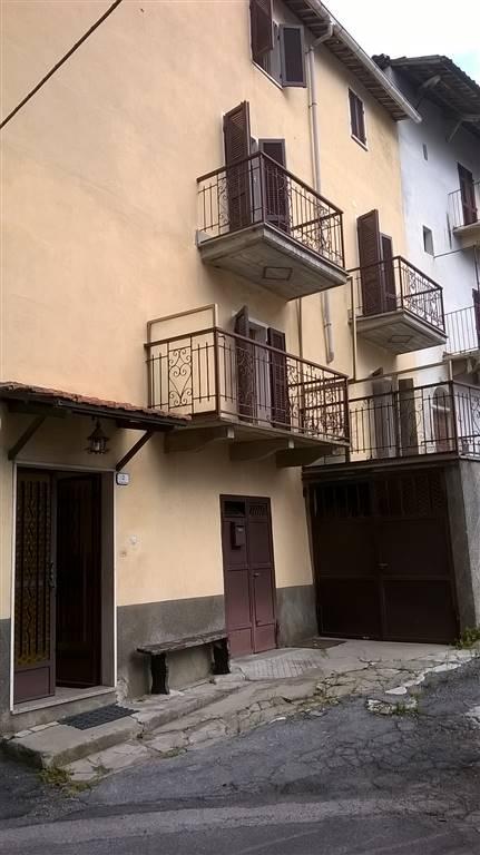 Casa semi indipendente in Piazza Vittorio Emanuele, Bastia Mondovi'