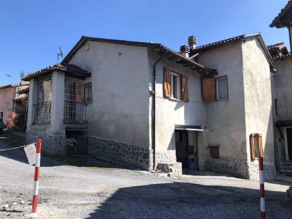 Appartamento in vendita a Sale delle Langhe, 5 locali, prezzo € 82.000 | CambioCasa.it