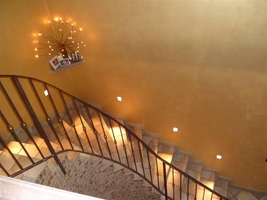 Appartamento in vendita a Vicoforte, 5 locali, prezzo € 140.000 | CambioCasa.it