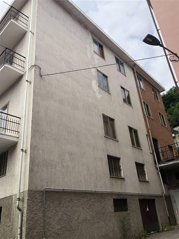 Palazzo / Stabile in vendita a Cengio, 28 locali, zona Zona: Bormida, prezzo € 160.000 | CambioCasa.it