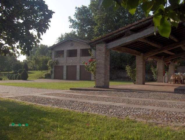 cortile-portico