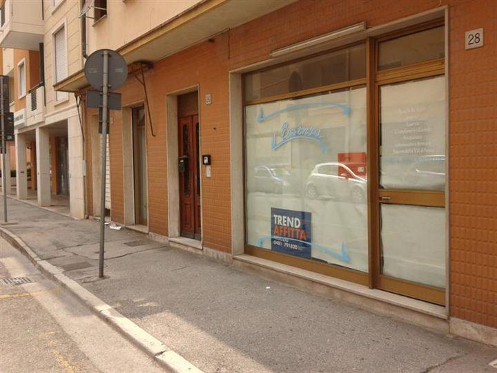 Negozio / Locale in affitto a Monfalcone, 1 locali, zona Zona: Rocca, prezzo € 300 | CambioCasa.it