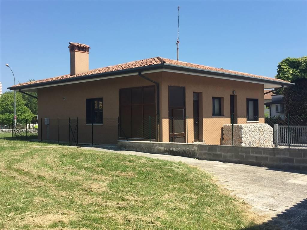 Ufficio / Studio in vendita a Monfalcone, 6 locali, zona Zona: Panzano, prezzo € 149.000 | CambioCasa.it