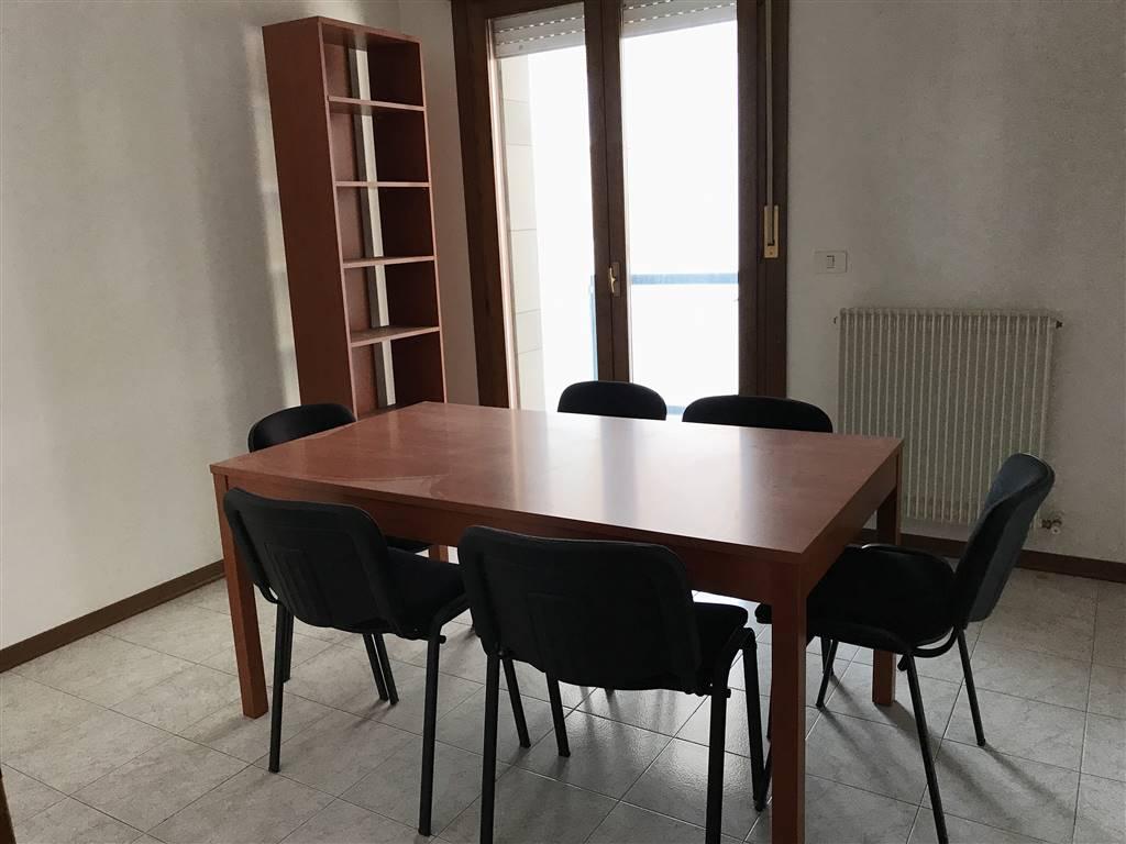 Ufficio / Studio in affitto a Monfalcone, 3 locali, zona Zona: Rocca, prezzo € 280 | CambioCasa.it