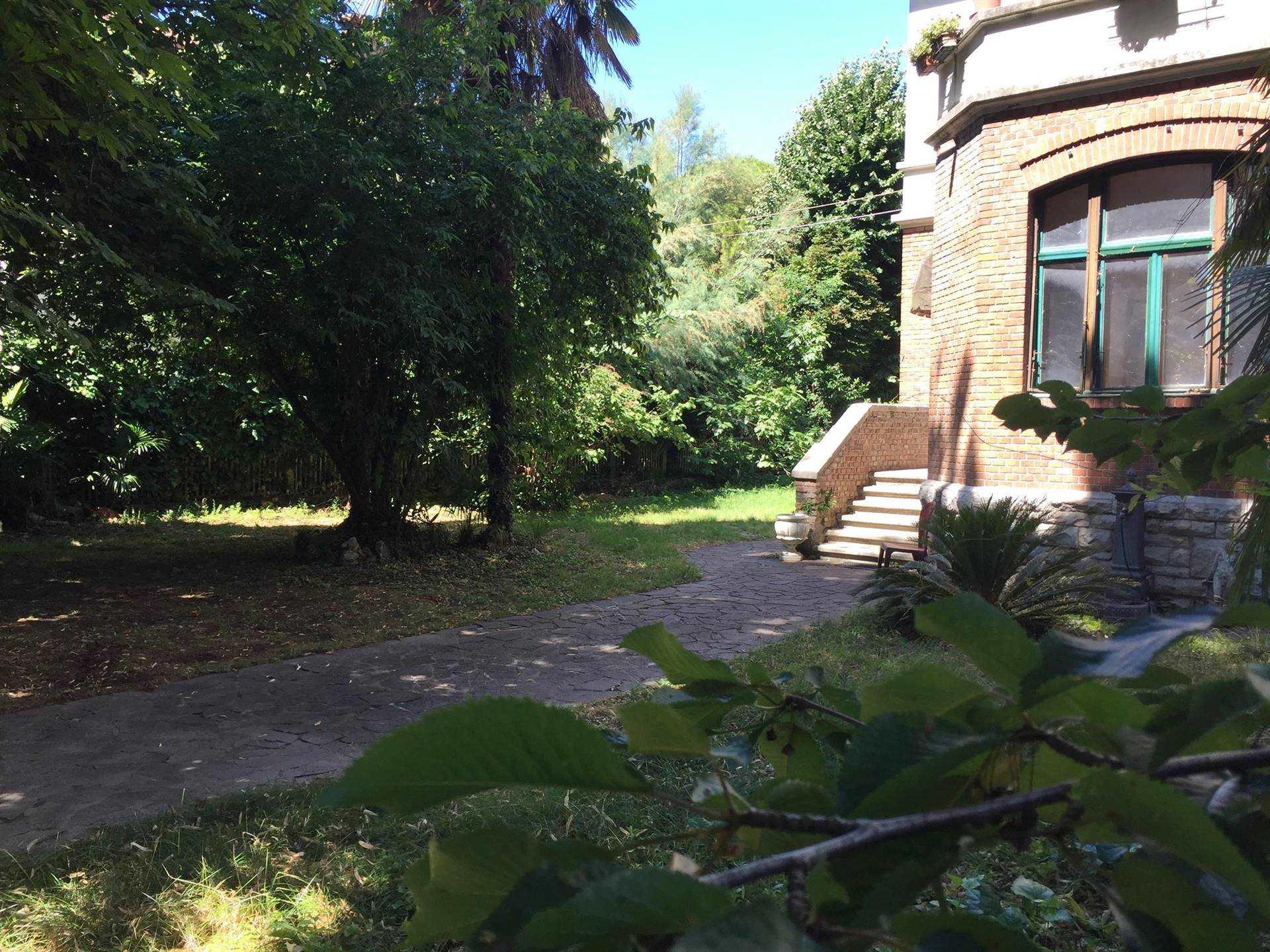 Appartamento in vendita a Monfalcone, 7 locali, zona Zona: Rocca, prezzo € 65.000 | CambioCasa.it