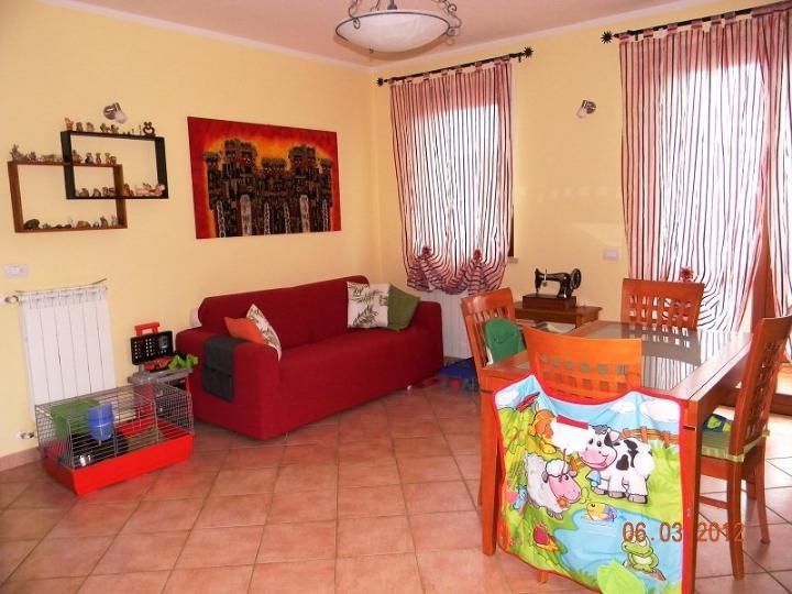 Appartamento in vendita a Capannoli, 3 locali, prezzo € 118.000 | CambioCasa.it