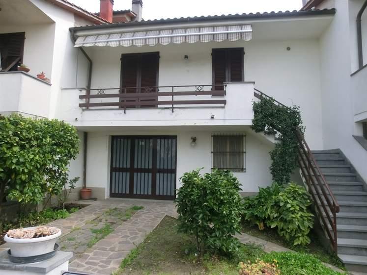 Villa a schiera, Montefoscoli, Palaia, abitabile
