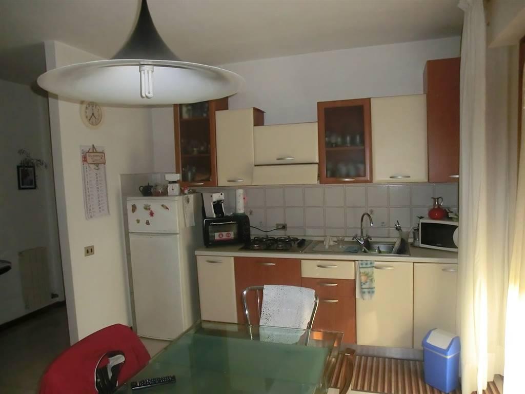 Appartamento in vendita a Ponsacco, 3 locali, zona Località: LE MELORIE, prezzo € 100.000 | CambioCasa.it