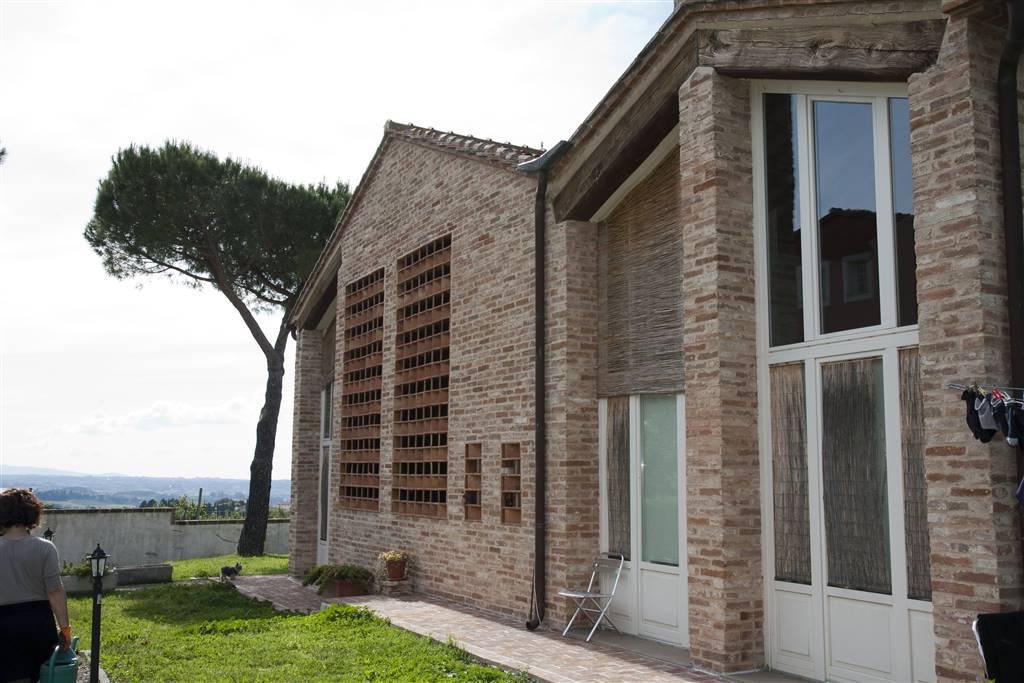 Villa in vendita a Peccioli, 5 locali, zona Zona: Libbiano, prezzo € 300.000 | CambioCasa.it