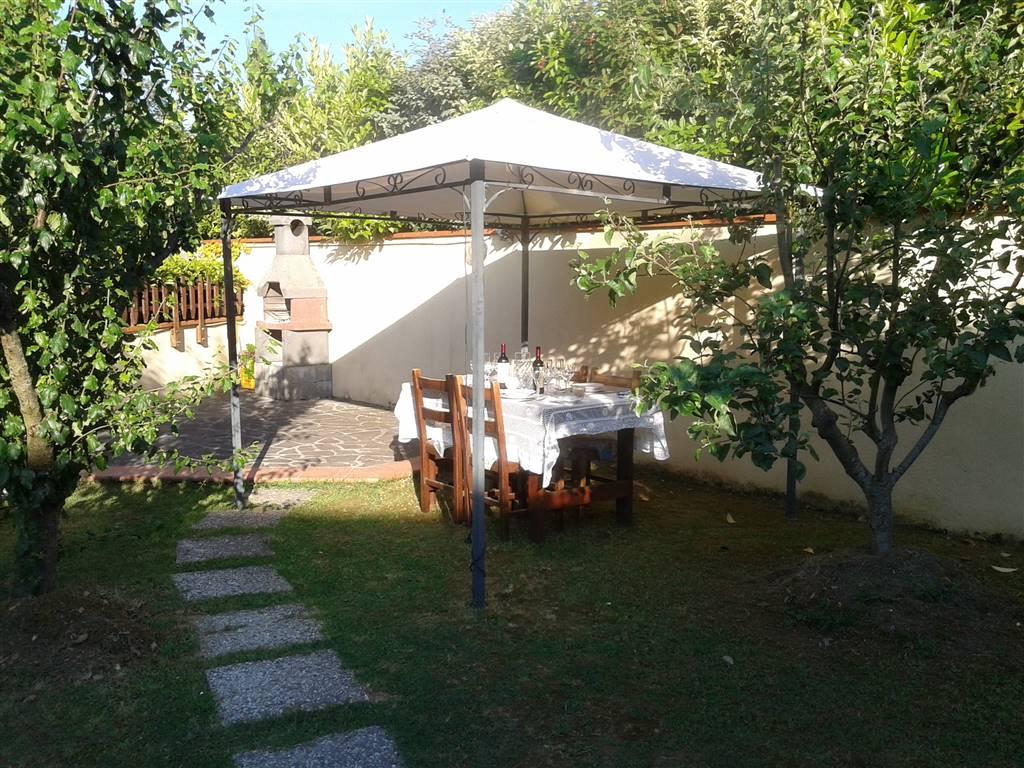 Appartamento in vendita a Peccioli, 5 locali, zona Zona: Montecchio, prezzo € 130.000 | CambioCasa.it