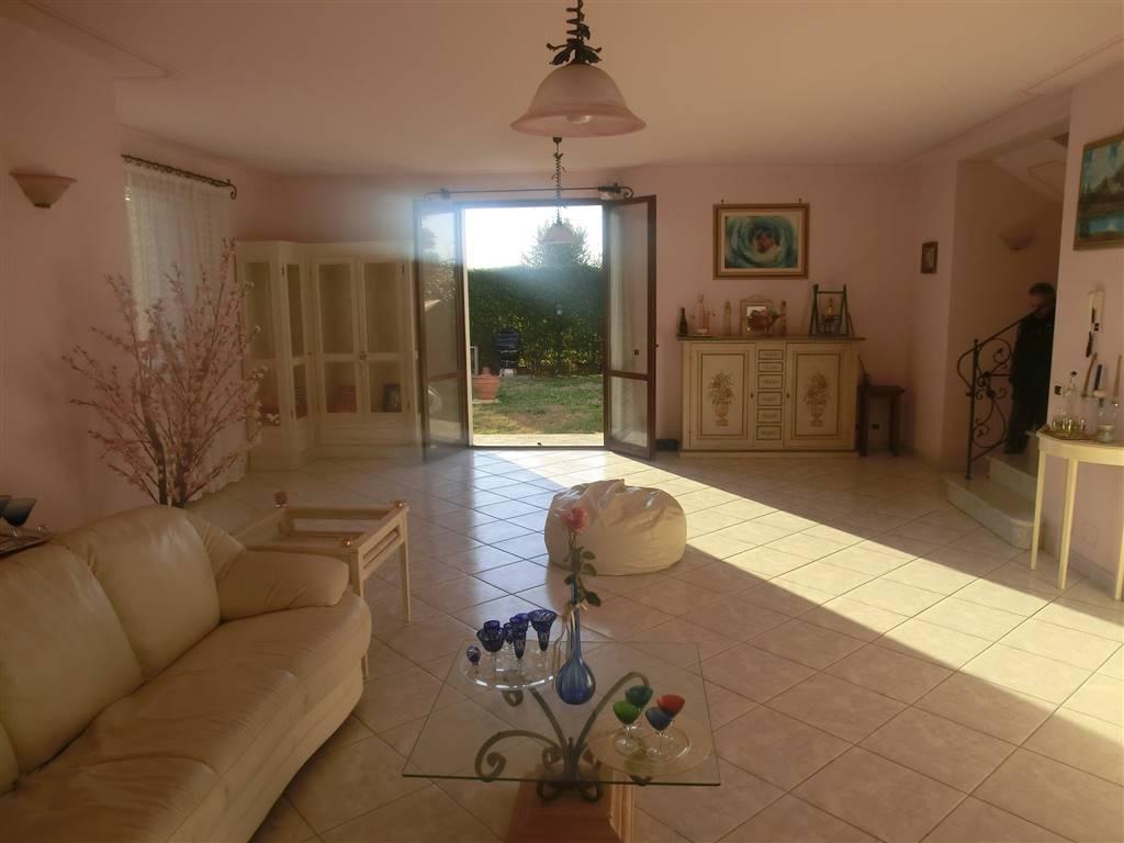 Villa Bifamiliare in vendita a Capannoli, 7 locali, prezzo € 360.000   CambioCasa.it