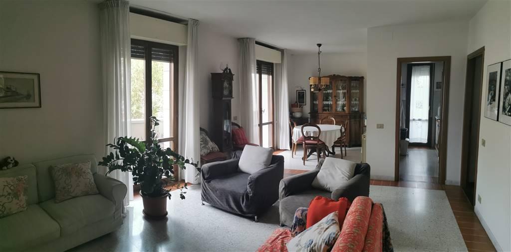 Appartamento in vendita a Ponsacco, 4 locali, prezzo € 140.000   CambioCasa.it