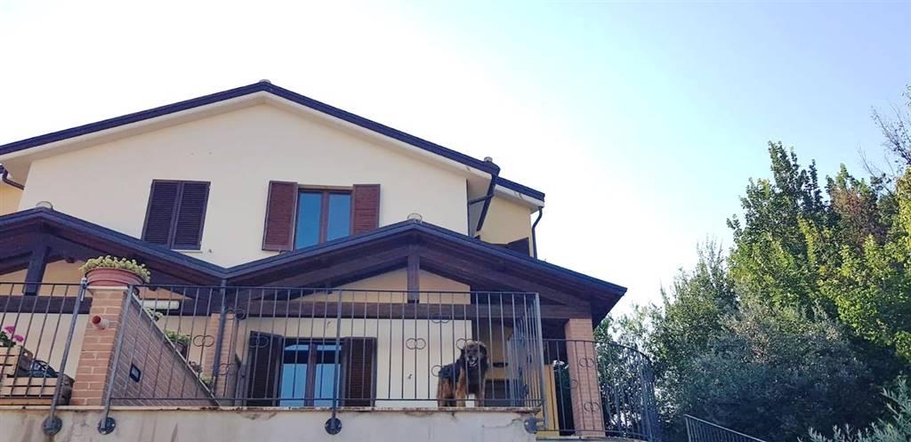 Soluzione Semindipendente in affitto a Castel Ritaldi, 5 locali, prezzo € 500 | CambioCasa.it