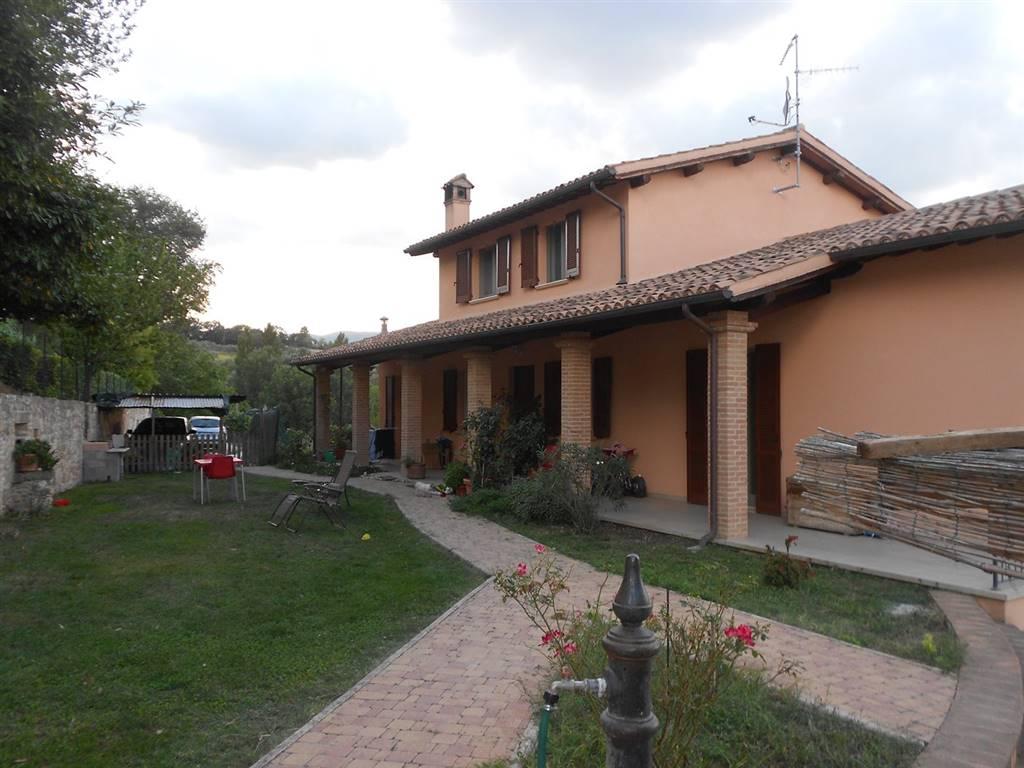 Villa Bifamiliare in vendita a Castel Ritaldi, 6 locali, zona Località: CASTEL RITALDI, prezzo € 350.000 | CambioCasa.it