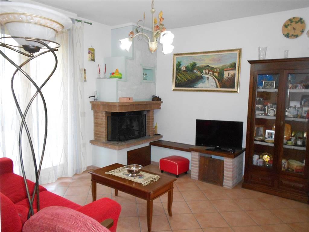 Appartamento in vendita a Spoleto, 3 locali, zona Località: PERIFERIA, prezzo € 125.000 | PortaleAgenzieImmobiliari.it