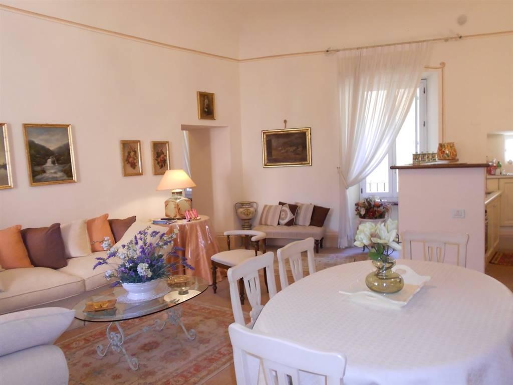 Appartamento in vendita a Spoleto, 3 locali, zona Località: CENTRO STORICO, prezzo € 239.000   CambioCasa.it