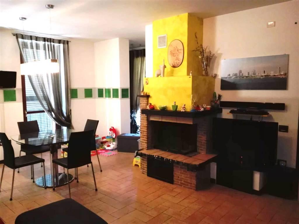 Appartamento in vendita a Spoleto, 3 locali, zona Località: PRIMA PERIFERIA, prezzo € 115.000 | CambioCasa.it