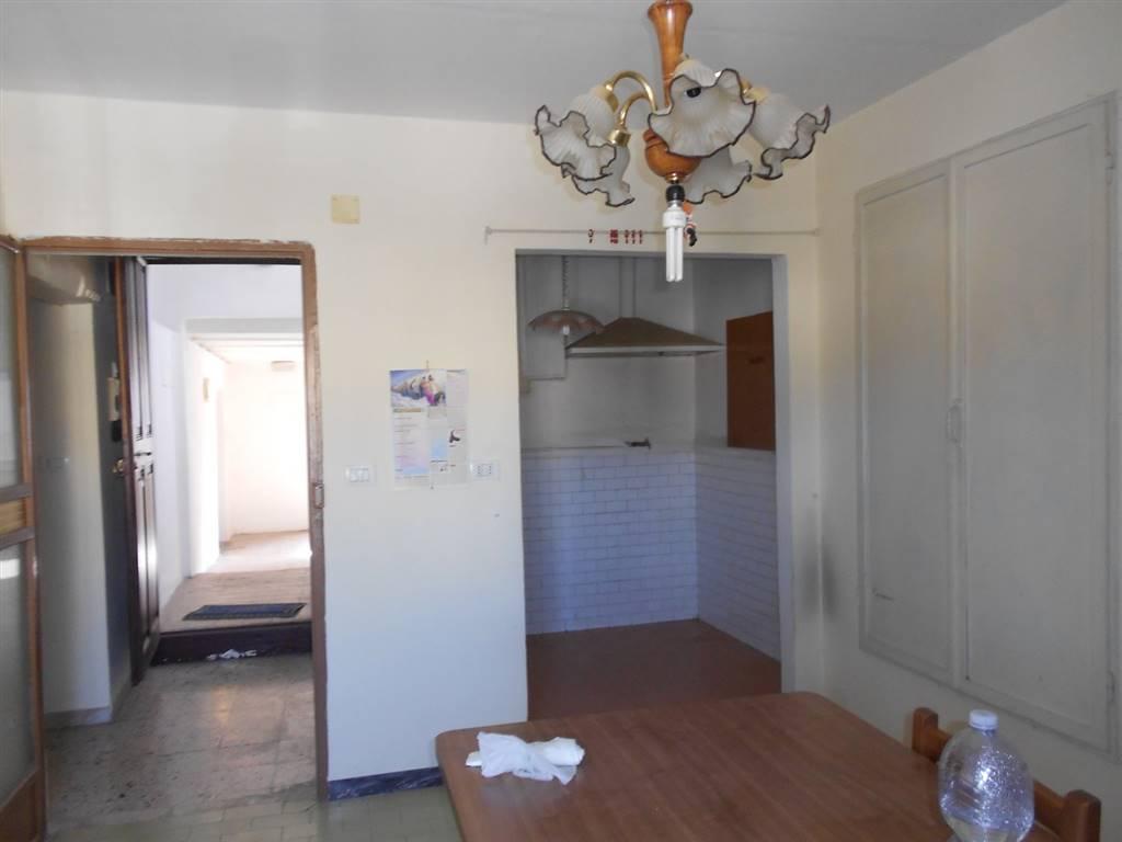 Appartamento in vendita a Foligno, 4 locali, prezzo € 53.000 | CambioCasa.it