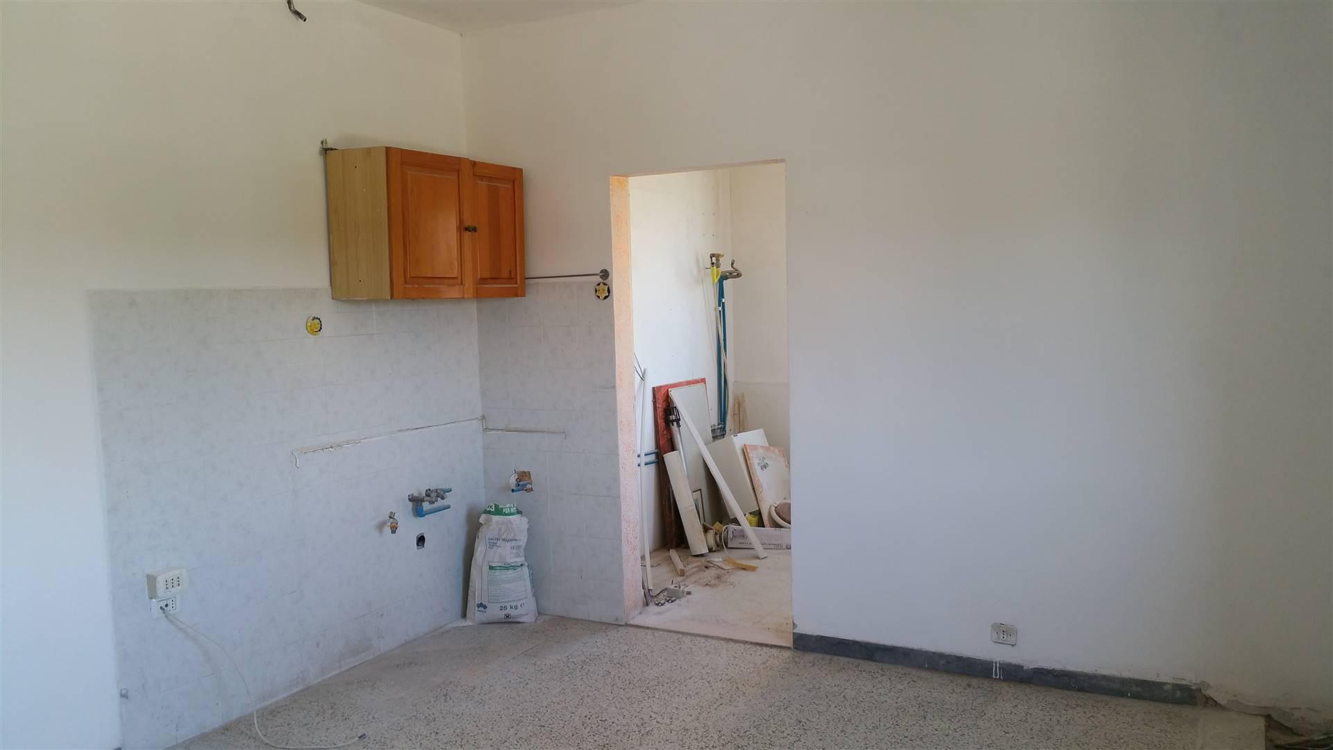 Appartamento in vendita a Spoleto, 4 locali, zona Località: PERIFERIA, prezzo € 38.000   CambioCasa.it