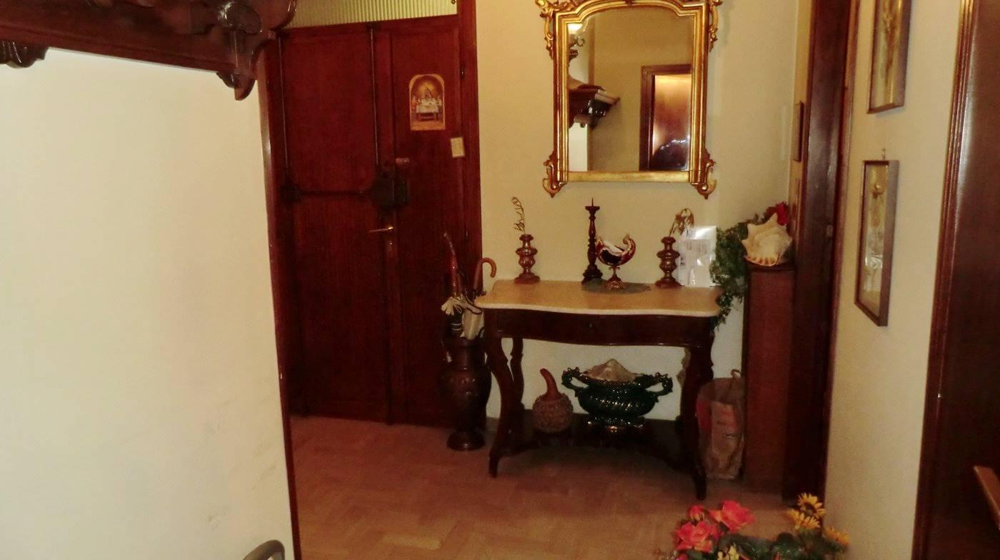 Appartamento in vendita a Spoleto, 7 locali, zona Località: CITTA', prezzo € 168.000 | CambioCasa.it