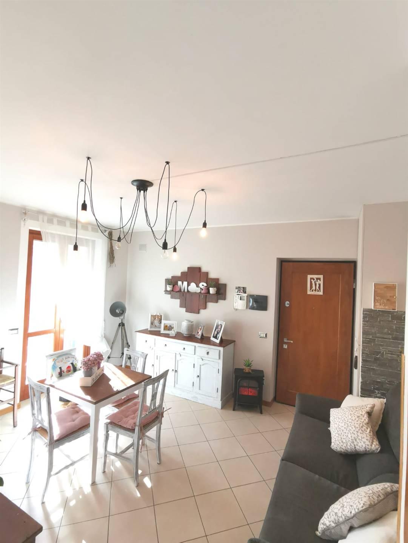 Appartamento in vendita a Spoleto, 3 locali, zona Località: PERIFERIA, prezzo € 105.000 | CambioCasa.it