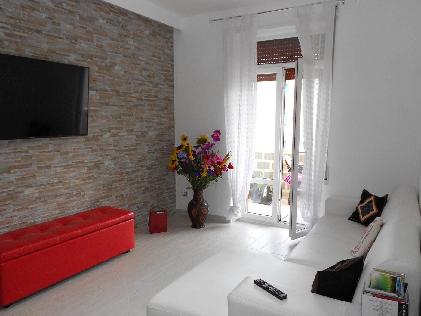 Appartamento in vendita a Spoleto, 4 locali, zona Località: PRIMA PERIFERIA, prezzo € 115.000 | CambioCasa.it