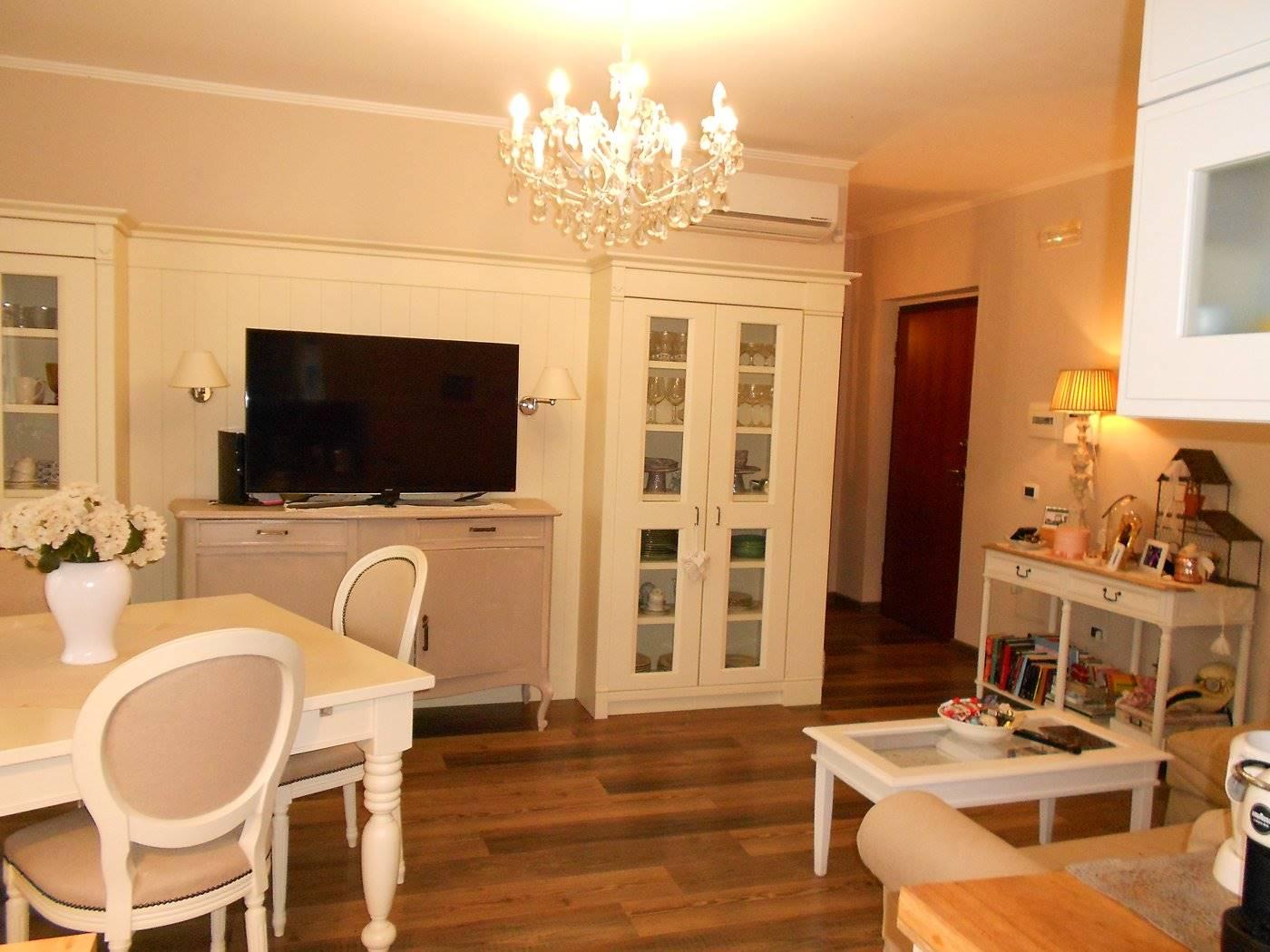 Appartamento in vendita a Spoleto, 3 locali, zona Località: PRIMA PERIFERIA, prezzo € 159.000 | CambioCasa.it