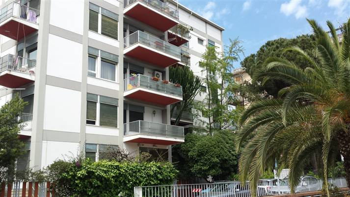 UNITÀ D'ITALIA, PALERMO, Apartment for rent of 270 Sq. mt., Excellent Condition, Heating Individual heating system, Energetic class: G, placed at 2°