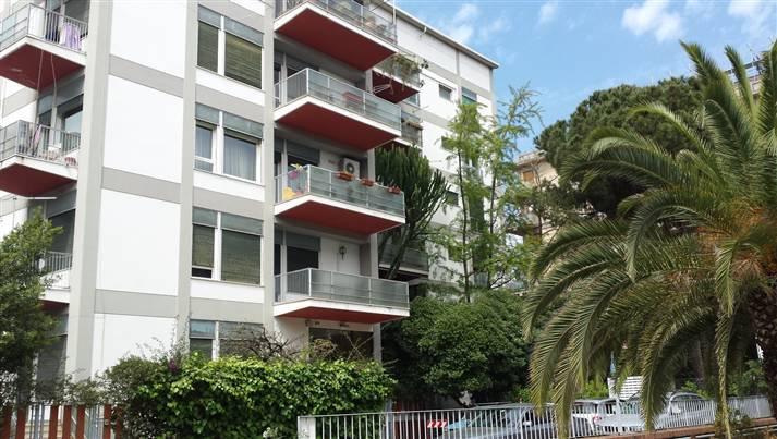 UNITÀ D'ITALIA, PALERMO, Wohnung zur miete von 270 Qm, Beste ausstattung, Heizung Unabhaengig, Energie-klasse: G, am boden 2° auf 6, zusammengestellt