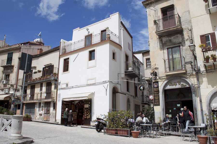 Soluzione Indipendente in affitto a Monreale, 3 locali, prezzo € 1.200 | CambioCasa.it