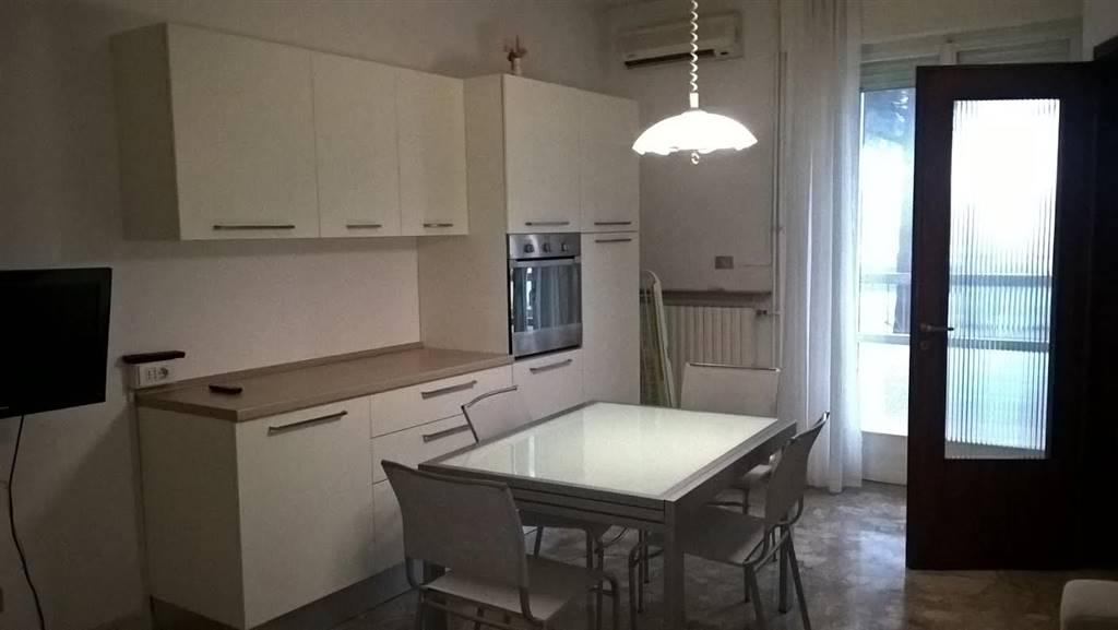 Quadrilocale, Rioni: Levante, Cesenatico