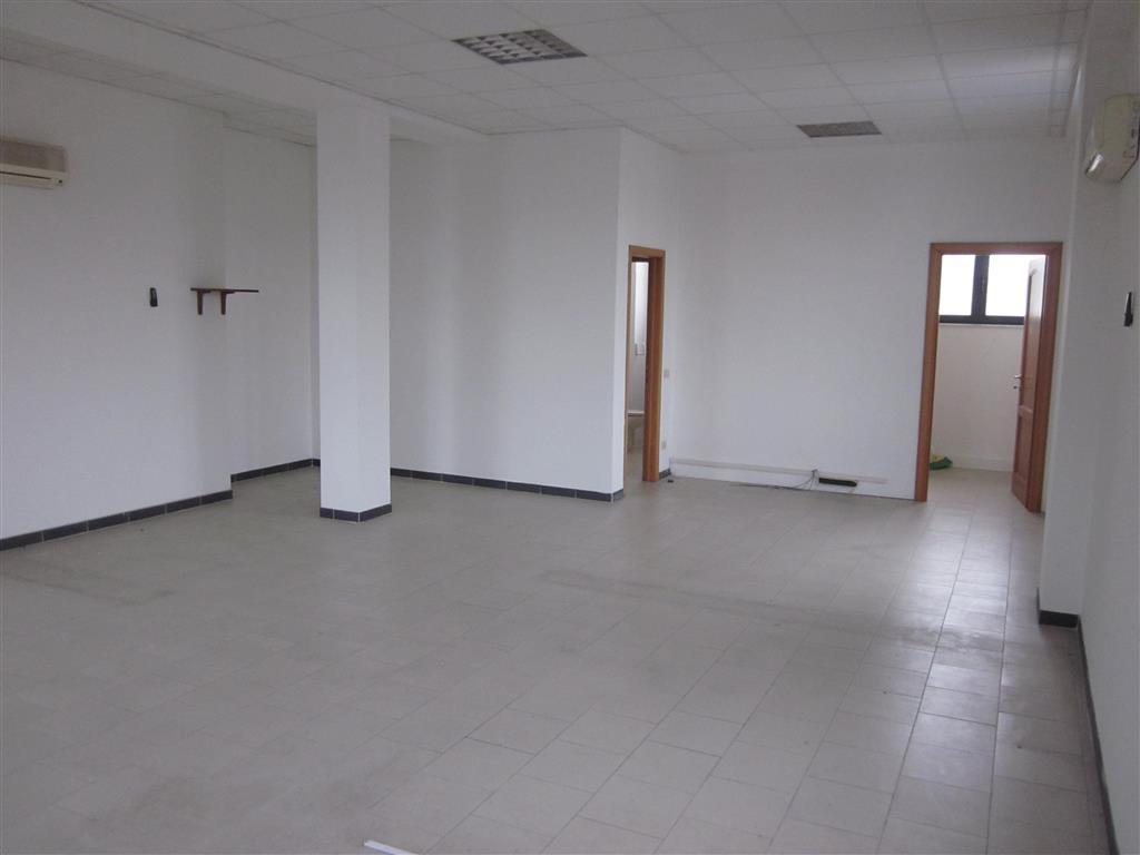 Ufficio / Studio in vendita a Sarzana, 9999 locali, prezzo € 150.000 | PortaleAgenzieImmobiliari.it