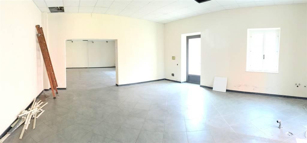 Locali commercialiLa Spezia - Locale commerciale, Sarzana, seminuovo