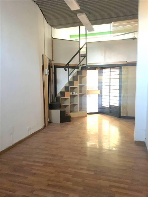 Immobile Commerciale in vendita a Sarzana, 2 locali, zona Località: CENTRO STORICO, prezzo € 68.000 | PortaleAgenzieImmobiliari.it
