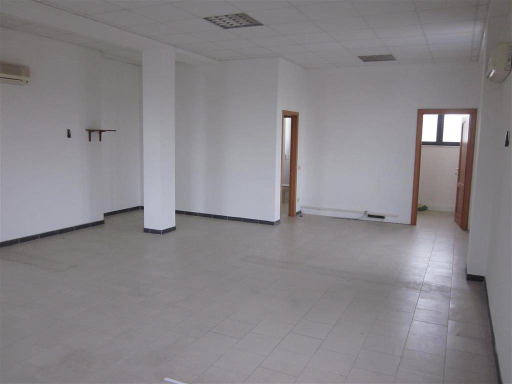 Ufficio / Studio in affitto a Sarzana, 1 locali, prezzo € 500 | PortaleAgenzieImmobiliari.it