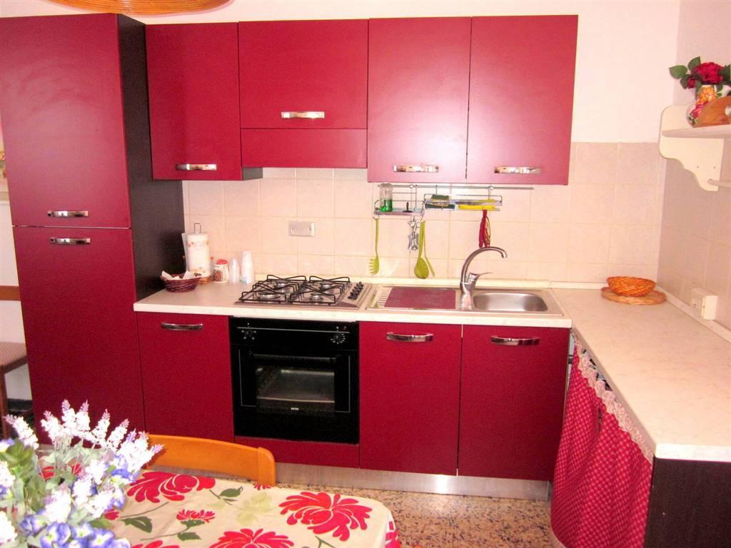 Appartamento in affitto a Castelnuovo Magra, 5 locali, zona elnuovo Paese, prezzo € 550 | PortaleAgenzieImmobiliari.it