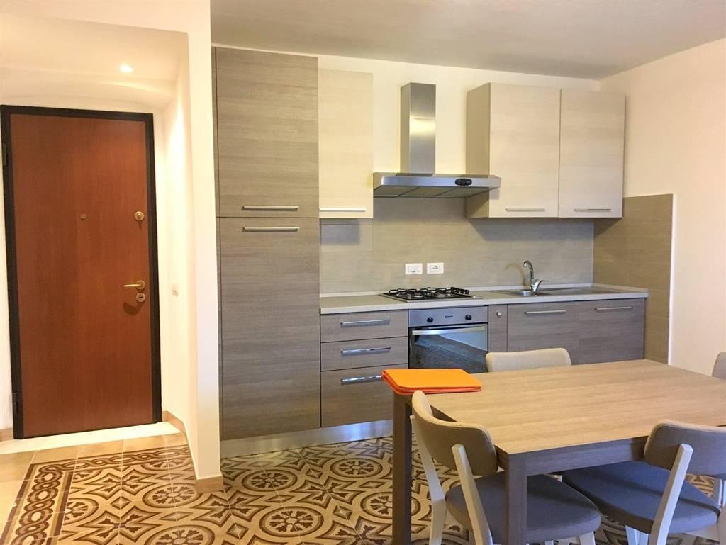 Appartamento in affitto a Castelnuovo Magra, 3 locali, zona otrisia, prezzo € 550 | PortaleAgenzieImmobiliari.it
