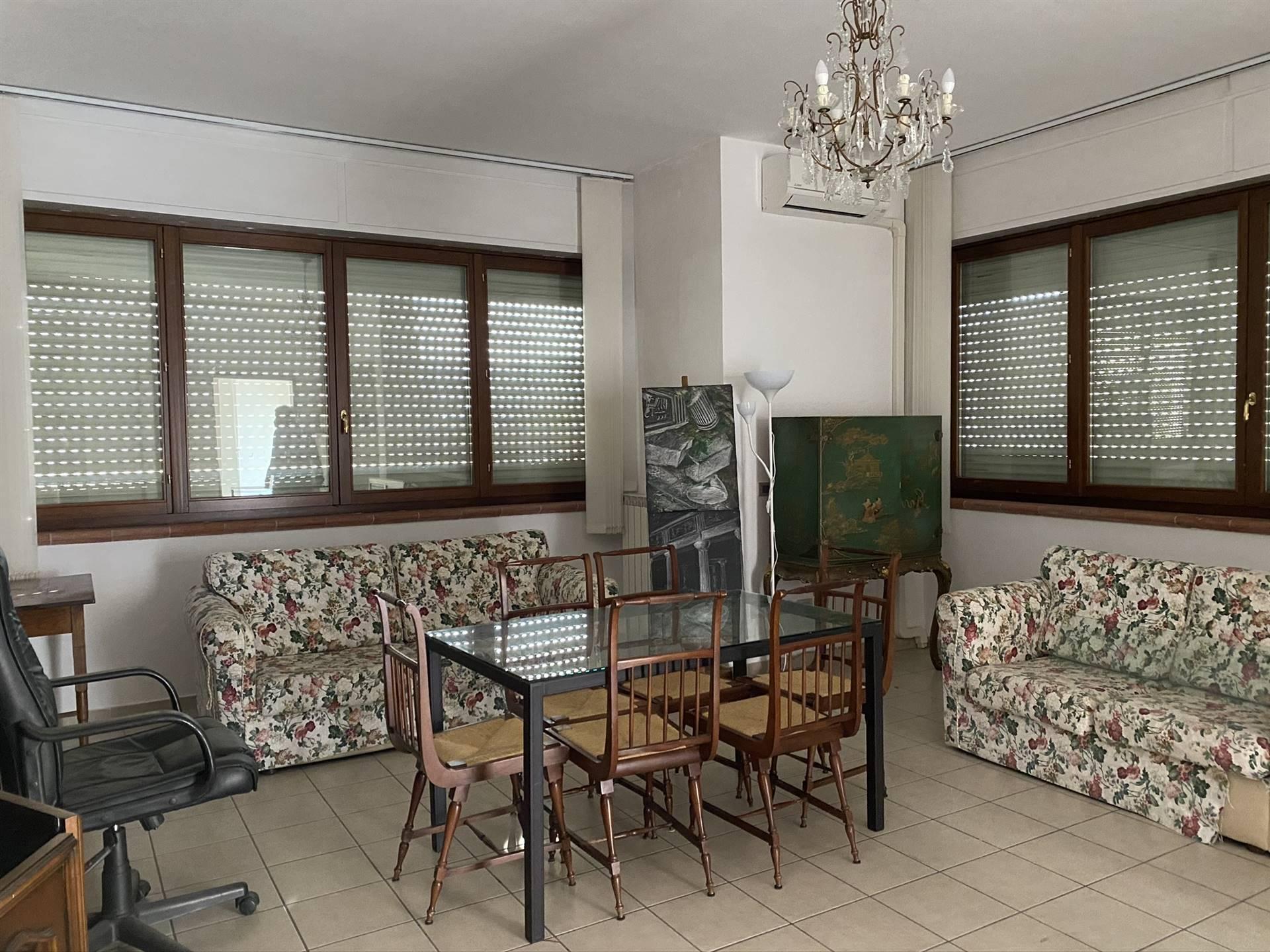 Appartamento in affitto a Castelnuovo Magra, 3 locali, zona mbiera, prezzo € 500 | PortaleAgenzieImmobiliari.it