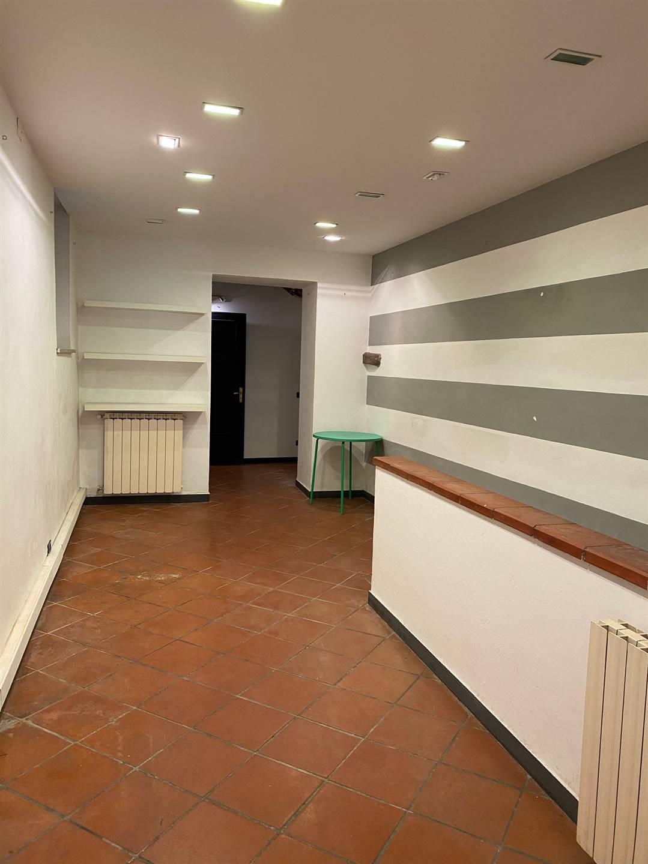 Immobile Commerciale in affitto a Sarzana, 4 locali, zona Località: CENTRO, prezzo € 600 | PortaleAgenzieImmobiliari.it