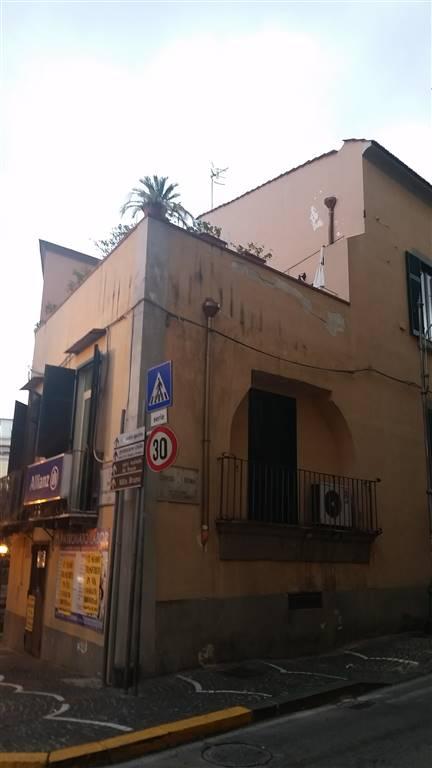 Appartamento in affitto a San Giorgio a Cremano, 2 locali, zona Località: CENTRO VESUVIANA, prezzo € 600 | CambioCasa.it