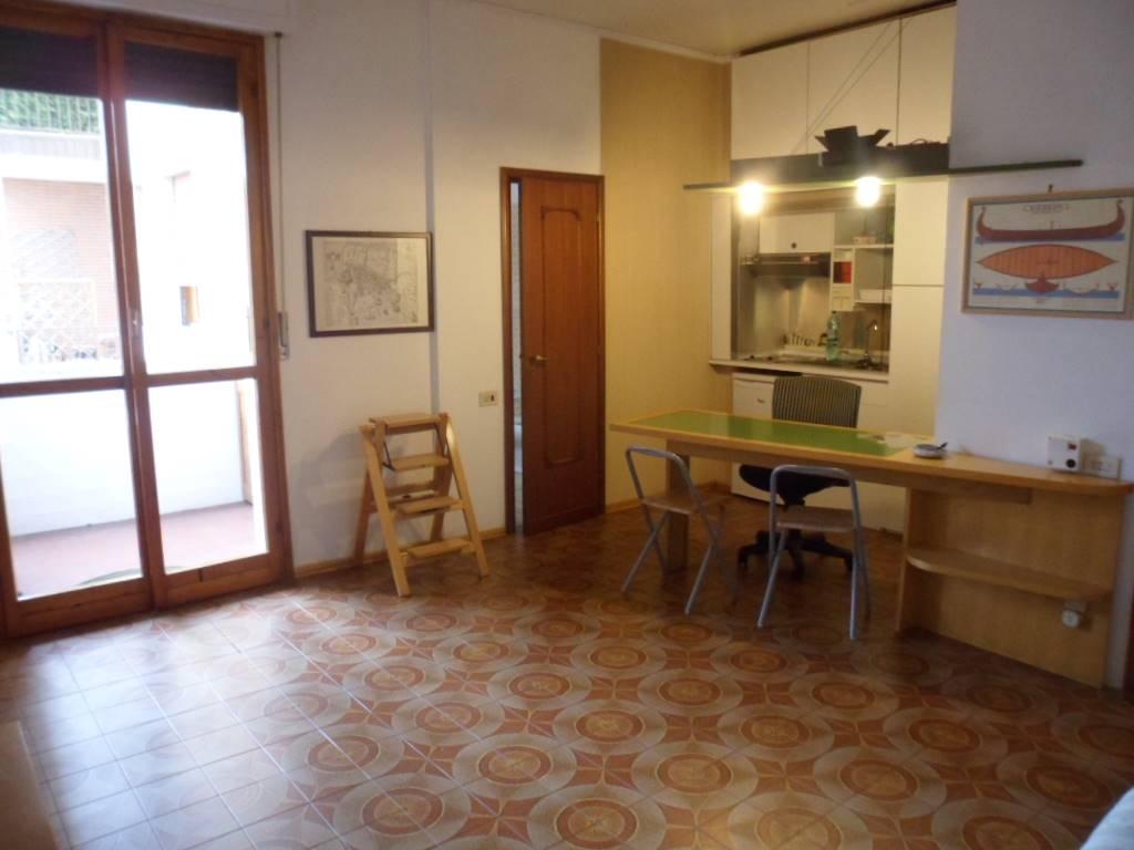 AppartamentiFirenze - Monolocale, Campo Di Marte, Le Cure, Coverciano, Firenze, abitabile